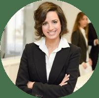 תמונה המייצגת את קטגוריית צילומי התדמית של נטיקס. בתמונה אישה לבושה בחליפה בשחור ולבן שתי שכבות, עומדת עם ידיים משולבות וחיוך קורן ביטחון.