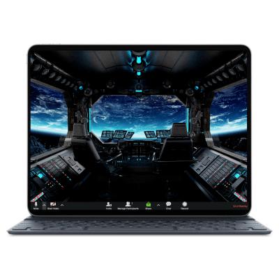רקע עם מסך של לפטופ שמציג אזור פנימי של חללית, כחבילת רקעים לילדים לזום