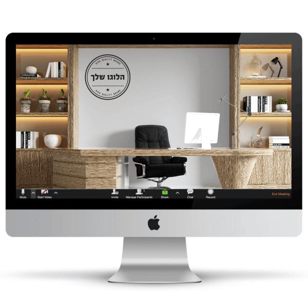 משרד חמים עם שולחן וארונות מדפים מעץ בהיר, כיסא מנהלים, מסך מחשב לבן ולוגו על הקיר - חהילת רקעים ממותגים לעסקים